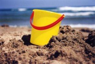 bucket_beach_sand_266483_l